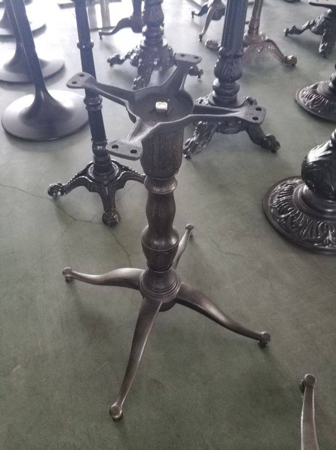 Cast Iron Dinning table legs Fancy Restaurant Table bases Hospitality Furniture